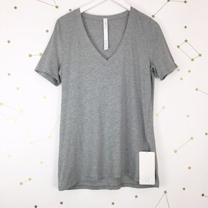 Lululemon • Heathered Gray Love Tee IV NWT 8